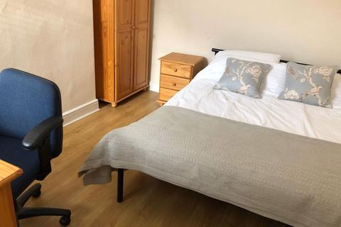 3 bedroom house to rent - Albion Road, Manchester