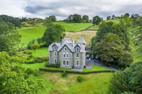 4 bedroom apartment for sale - The Ground Floor Flat, 1 The Old Vicarage, Far Sawrey, Ambleside, Cumbria, LA22 0LQ