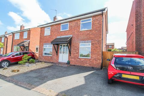 4 bedroom detached house for sale - Somersby Avenue, Walton, Chesterfield