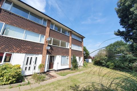 3 bedroom townhouse to rent - Creswick Court , Rayleigh, Essex