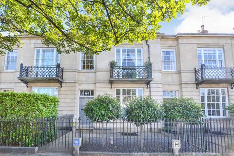 6 bedroom townhouse for sale - Andover Road, Cheltenham, Gloucestershire