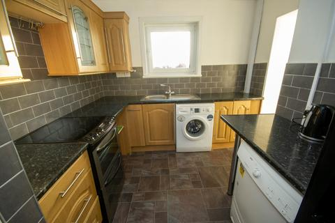 3 bedroom flat to rent - Gillespie Crescent, Hilton, Aberdeen, AB25 3AT