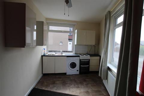 1 bedroom flat to rent - North Road, Barnsley