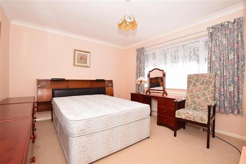 2 bedroom detached bungalow for sale - Neame Road, Birchington, Kent