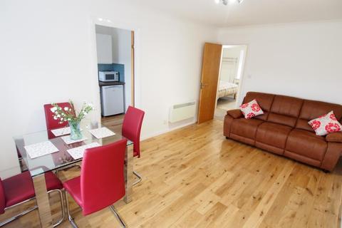 2 bedroom flat - Pitmedden Crescent, Top Floor, AB10