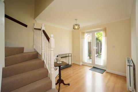 3 bedroom semi-detached house for sale - Green Close, Renishaw, Sheffield, S21 3WS