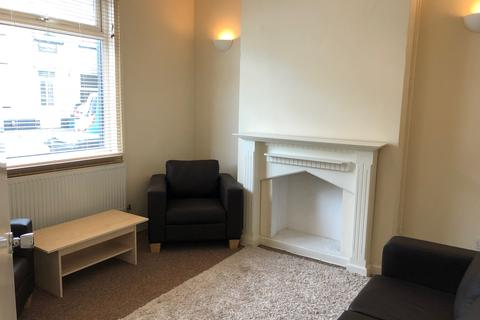 3 bedroom terraced house to rent - Gloster Street, Newport NP19