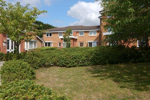 1 bedroom flat for sale - Warwick Close, Hornchurch RM11