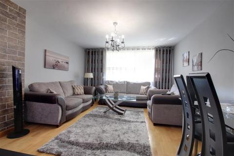 3 bedroom flat to rent - Coppin House, Tulse Hill.