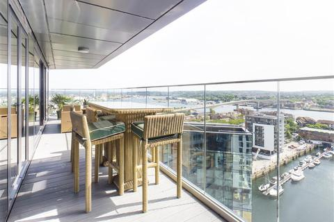 3 bedroom apartment for sale - Ocean Way, Southampton, SO14 3LG