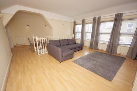 1 bedroom flat to rent - CANNING CRES, WOOD GREEN, LONDON, N22