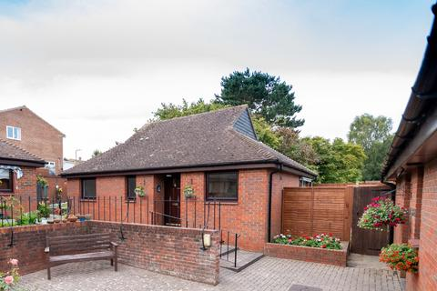 2 bedroom detached bungalow for sale - Apple Tree Close, Barming, Maidstone