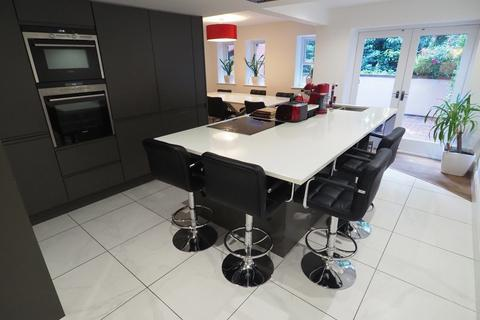 3 bedroom apartment for sale - The Garden Apartment, Mersey Road, M20