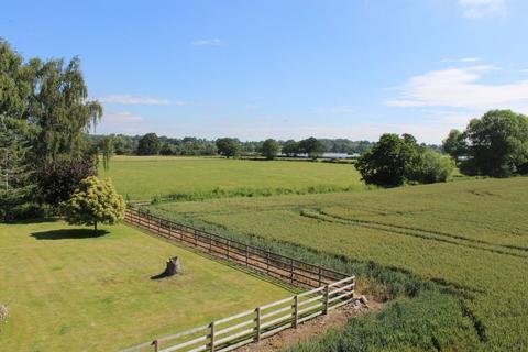 4 bedroom farm house for sale - Holtwood Farm, Yelt Lane, Doveridge, Derbyshire, DE6 5JW