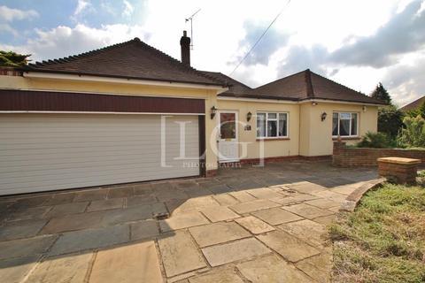 4 bedroom detached bungalow to rent - Wansunt Road, Bexley