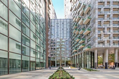 3 bedroom flat for sale - Lincoln Plaza, London