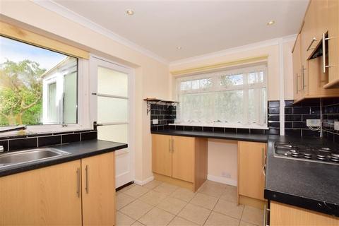 2 bedroom detached bungalow for sale - Banner Way, Minster On Sea, Sheerness, Kent