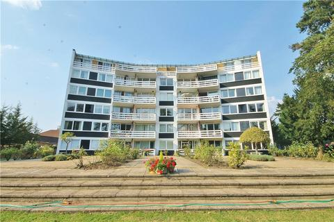 3 bedroom apartment for sale - Penton Hall, Penton Hall Drive, Staines-upon-Thames, Surrey, TW18
