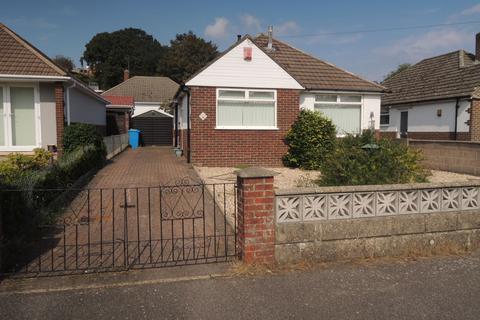 2 bedroom detached bungalow for sale - south park road, parkstone, Poole BH12