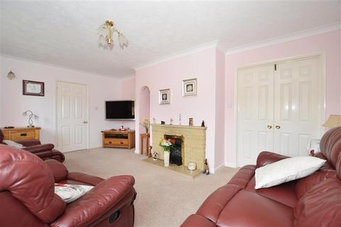 4 bedroom detached house for sale - Cotswold Gardens, Downswood, Maidstone, Kent