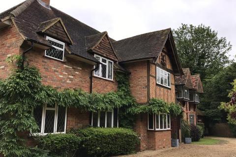 5 bedroom detached house to rent - Lime Walk, Maidenhead, SL6
