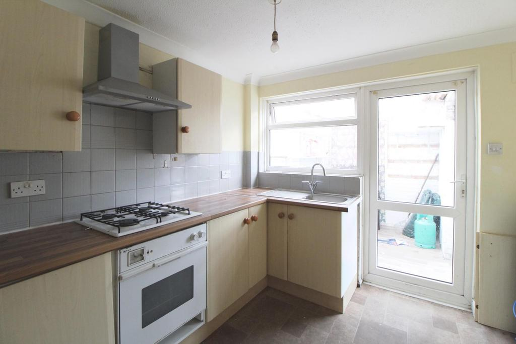 Henry Street Chatham Me4 3 Bed Terraced House For Sale