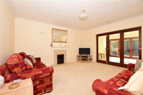 5 bedroom detached house for sale - Reeves Court, East Malling, West Malling, Kent