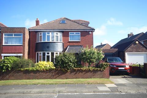 4 bedroom detached house - Sandringham Drive, West Monkseaton, Whitley Bay, NE25 9PE
