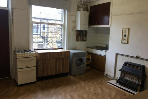 3 bedroom terraced house to rent - BRADFORD, BD7 4AE