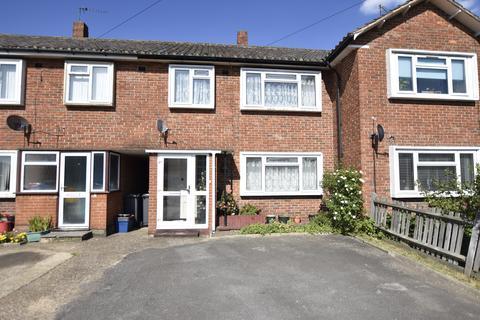 2 bedroom house for sale - Fountains Avenue, Hanworth, Middlesex, TW13