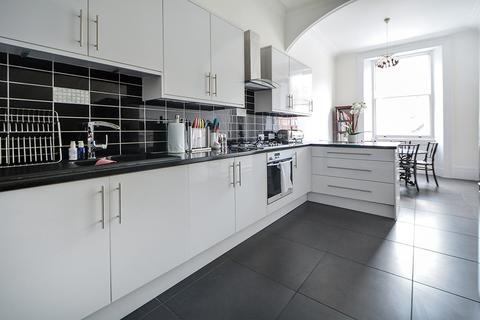 2 bedroom apartment for sale - Queen`s Gate, London, SW7