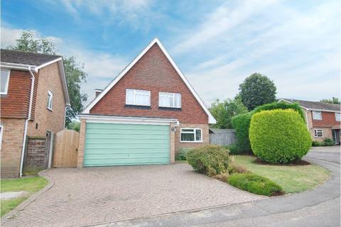 4 bedroom detached house for sale - Kendal Drive, Tonbridge