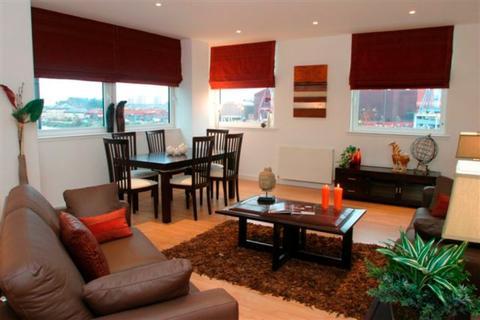 2 bedroom flat to rent - Meadowside Quay Walk, Flat 3/1, Glasgow Harbour , Glasgow, G11 6AW