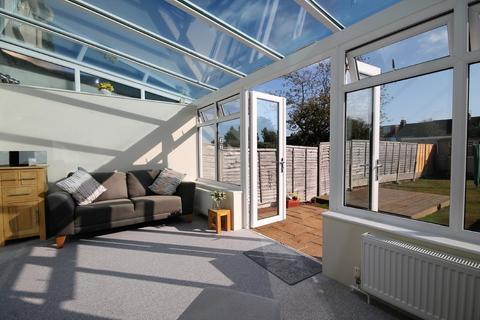 3 bedroom terraced house for sale - Fifth Avenue, Lancing, BN15 9QA