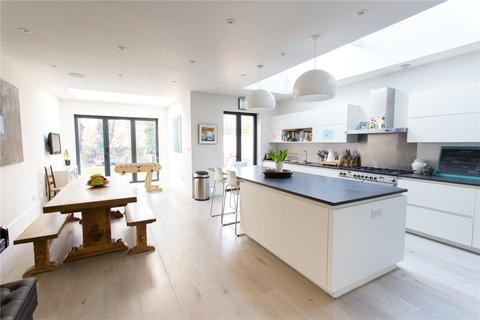 5 bedroom semi-detached house for sale - Riggindale Road, London, SW16