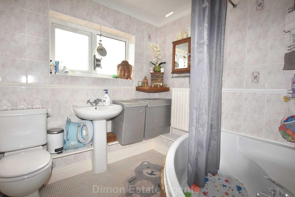 Kings Road Gosport 2 Bed Terraced House For Sale 163 193 000