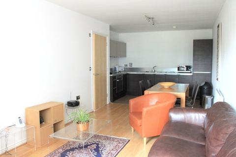 3 bedroom apartment to rent - Lockhouse, 35 Oval Road