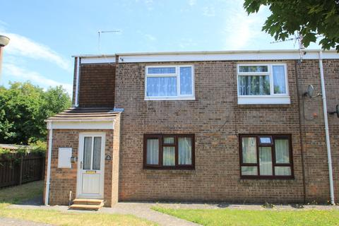 2 bedroom maisonette to rent - Wolfe Close, Barry