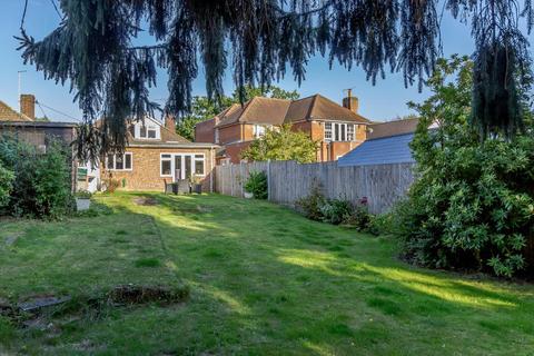 3 bedroom detached bungalow for sale - Well Lane, Stock, Ingatestone