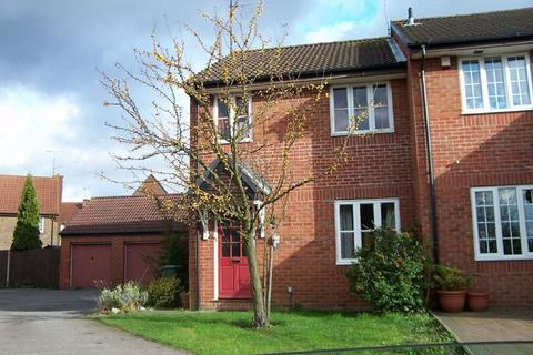3 bedroom house to rent - Spurcroft, Bushmead - Ref:P1130