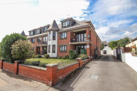 2 bedroom penthouse for sale - Cossington Road, Westcliff-on-Sea