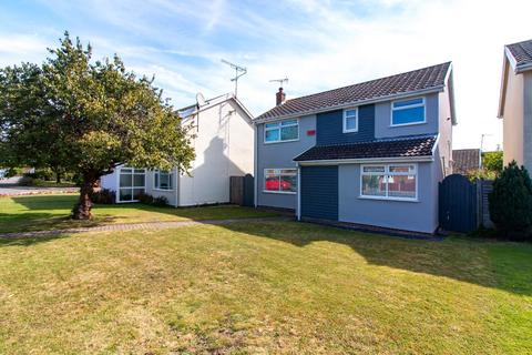 5 bedroom detached house for sale - St. Peters Court, Broadstairs