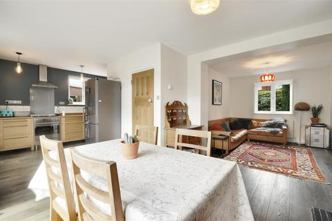 3 bedroom semi-detached house for sale - Ealing Road, Brentford