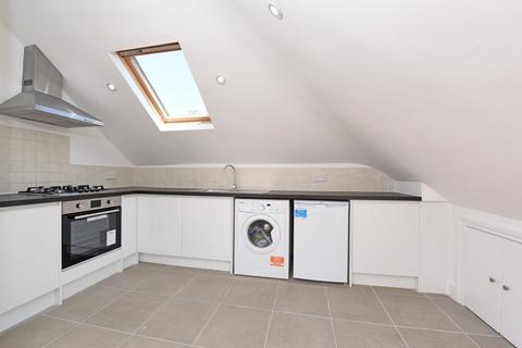 2 bedroom flat for sale - Barrow Road, Streatham