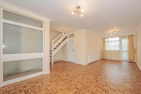 3 bedroom apartment to rent - Pinner, HA5, HA5