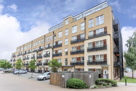 2 bedroom flat for sale - Lanadron Close, Isleworth, TW7