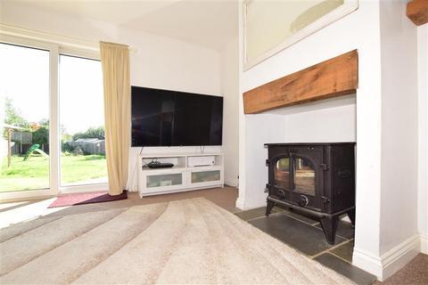 4 bedroom detached bungalow for sale - Greenview Crescent, Hildenborough, Tonbridge, Kent