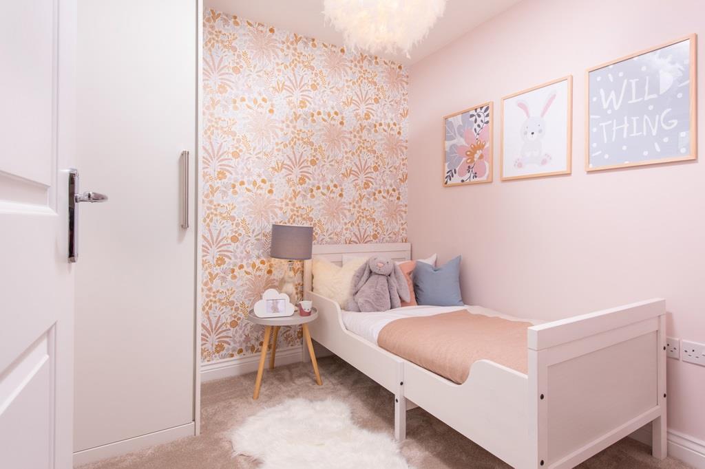 Single bedroom lincoln