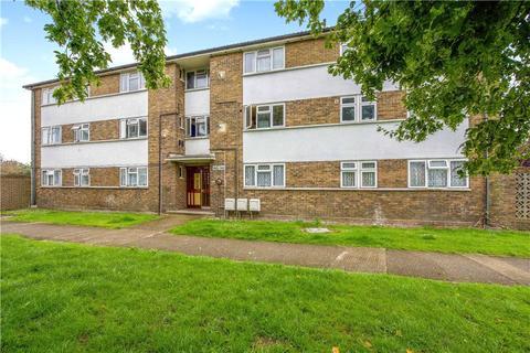 3 bedroom apartment for sale - Main Street, Feltham, Surrey, TW13