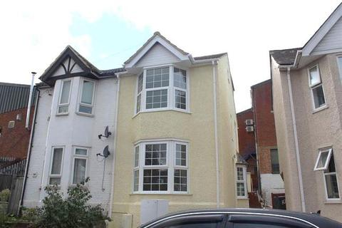 4 bedroom house to rent - Lindsay Avenue, High Wycombe, HP12